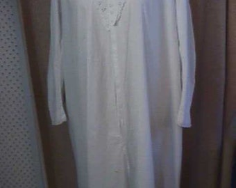 Antique Victorian White Cotton Nightgown.  Beautiful Embroidery, Front and Back.  #  1127