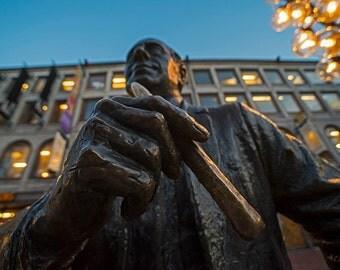 Red Auerbach Chilling in Fanueil Hall, Fanueil Hall, Red Auerbach, Statue, Boston Picture, Boston Print, Boston Art, Boston Decor, Celtics
