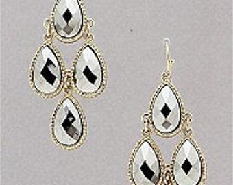 Beautiful & Classy Chandelier Earrings