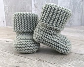 Light Grey Baby Booties, Stay On Booties, Knitted Booties, Gray Crib Shooes, Gender Neutral Crib Shoes, Newborn Shoes, New Baby Gift