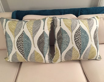 Leaf Rain Pillow 20x20