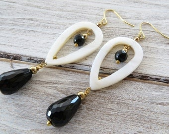 Carved drop earrings, white mother of pearl earrings, dangle earrings, black onyx earrings, uk gemstone jewellery, gift for her, gioielli