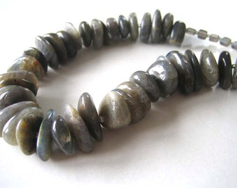 Icelandic Dreams: Labradorite, vintage glass, sterling silver. Necklace and earrings.