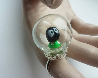 Glass terrarium dome ring, with a Soot Sprite sat on a green toadstool!