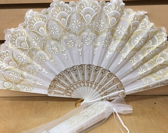 Set of 12/50 White summer folding fan with gift bag for wedding party drcor / White sequin fan for brides / table setting / wedding favor