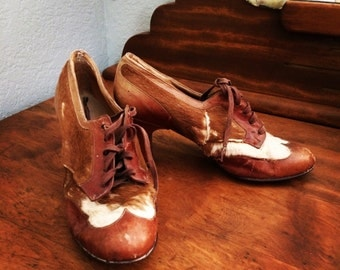 Antique Ladies Shoes // Cowhide Shoes