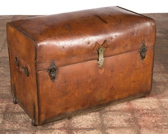 19th century Leather Barrel Top Steamer Trunk -Rare