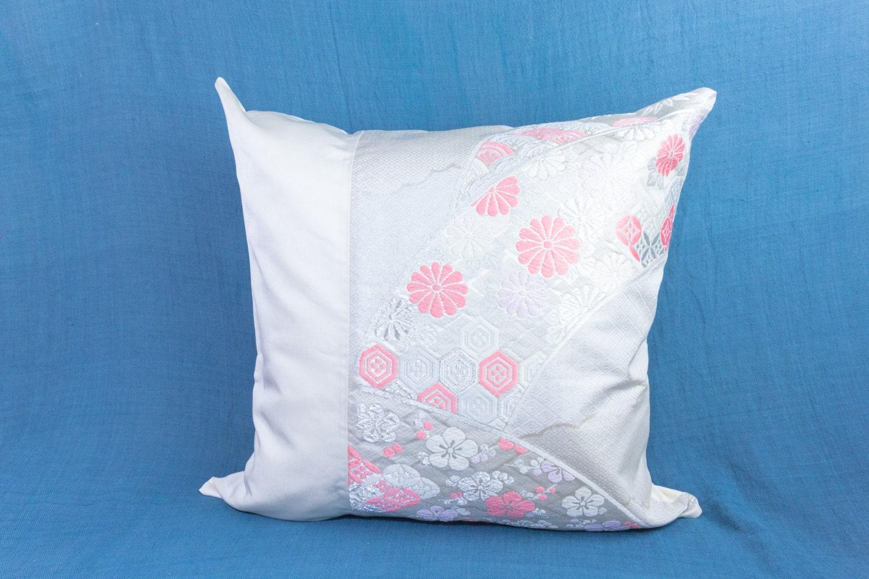 Pink Silk Throw Pillows : Pink Chrysanthemum Silk Throw Pillow Kimono Pillow Japanese