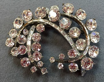 Big Glam Rhinestone Brooch