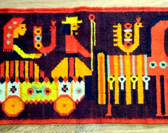 "Wall hanging / tapestry Kilim, Polish design by Maria Domanska ""Droga na targ"" hand woven in wool 1950s."