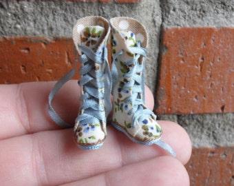 Dollhouse  Boots Esc 1:12