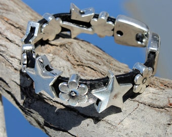 small Bracelet with stars and flowers