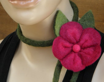 Adjustable, felted wool necklace