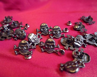 18 x pewter colour skull and crossbones pirate metal studs new UK seller