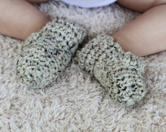 Oatmeal Button Baby Booties