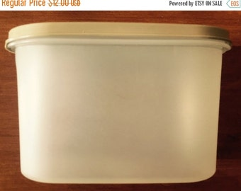 CIJ Tupperware Modular Mate Dry Food Storage Cereal Storage Pet Food Storage Excellent Condition