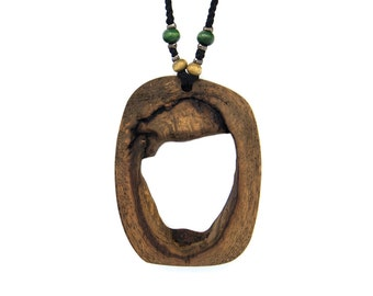 Wooden pendant. Reclaimed wood. Eco-friendly. Wood knot. Hippie Boho. Wood necklace. Unique necklace. Oak wood.