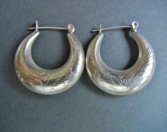 Engraved sterling earrings, RM sterling earrings, puffy sterling hoops, puffy sterling earrings, chased sterling earrings, sterling mexican