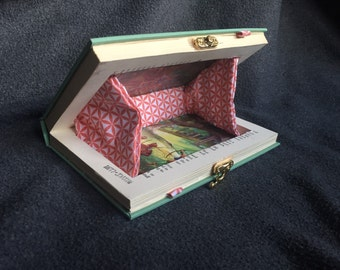 Robin Hood - Premium Book Clutch - Sea Green