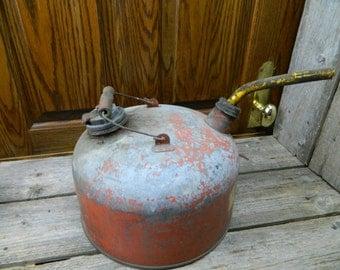 Vintage Round Red Galvanized Metal Gas Oil Kerosene Can