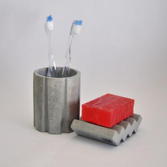 Vaso estriado de hormig n para el ba o vaso de por for Cera de hormigon para azulejos de bano