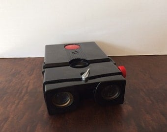 Vintage Red Button Stereo Realist 3D Viewfinder Working Condition
