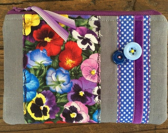 NEW Handmade linen fabric Pansy Cosmetic Make up bag Pouch Applique  Flowers Pansies Garden