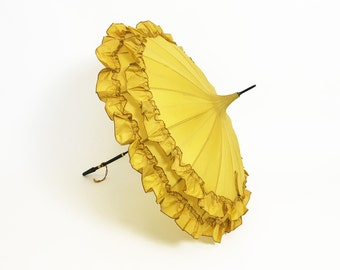 canary yellow Parasol Umbrella in great condition