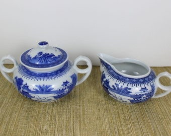 Blue Willow Tea Set Creamer and Sugar, Beautiful Vintage Tea Set with Blue Willow Pattern