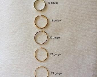 Cartilage Hoop Earrings in 14K Gold Filled, Minimalist Mini Cartilage/endless/catchless/tragus/helix/hex, Helix Piercing Hoops, one hoop