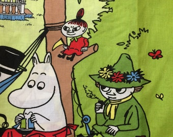Moomin cotton fabric piece, great for blankets, pillow cases etc. 1 m x 70cm, from Finland