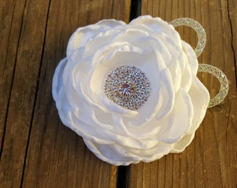 Hair Accessory, Girls Accessory, Wedding Flowers, Flower Headband, Spring Flower, Flower Girl, White Satin Flower, Valentine Flower,Hairclip