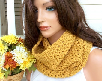 Amber Crochet Cowl for Women and Teens, Winter Cowl in a Warm Yellow Color, Fashionable Cozy Infinity Scarf