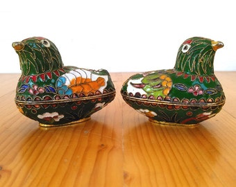 Vintage Pair of Chinese Cloisonné Bird Trinket Boxes. Lot of 2 Cloisonné Green Bird Trinket Boxes, Chinese Bird Trinket Boxes. Set of 2