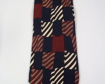 Roundtree and Yorke Patriotic Silk Necktie