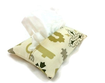 Travel Tissue Holder Kleenex Pouch in Skeleton Key