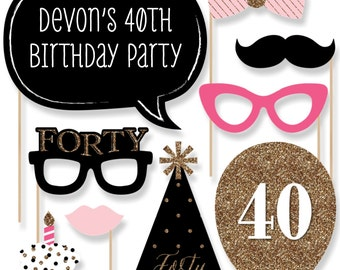 Chic 40th Birthday - Pink, Black, and Gold - Photo Booth Props - Adult Birthday Party Photobooth Kit with Custom Talk Bubble - 20 Pieces