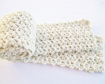 Crocheted Women's Scarf in Linen
