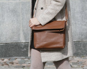 "Brown Crossbody Purse ""Ursula Rufous"", Leather Cross Body Bag, Brown Bag with Zipper, Genuine Leather Crossbody Bag"