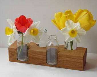 Flower vase in oak