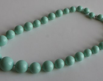 Vintage Graduating Bead Mint Green Necklace