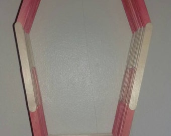 Red and neutral polygon shelf