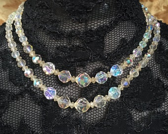 VINTAGE Costume Jewelry GLASS beaded 2 Layer Necklace