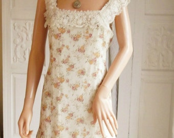 Vintage 1970S Dress Cream Dress Pastel Floral Dress Roses Mini dress Summer Dress GUIPURE Lace   A1015