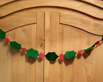 Felt Holly garland. Christmas bunting.