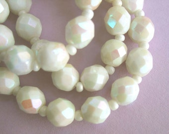 Vintage 1950's/60's White Aurora Borealis Necklace ~ Pretty round faceted milk glass beads iridescent AB rockabilly kitsch 16.75 inch choker