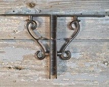 A lovely pair of simple contemporary iron shelf brackets EB1