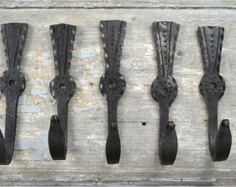 A set of 5 Scottish thistle hammered wrought iron hooks LFL3