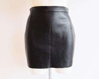 Vintage Black Leather Skirt • Black Leather Skirt • Leather Skirt • Skirt • 70s Skirt • Mini Skirt • Black Mini Skirt • Leather Mini Skirt