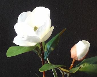 Silk Flower Arrangement, Table Centerpiece, Magnolia Arrangment, Luxury Floral Arrangement, Elegant Floral Arrangement, Spring Arrangment